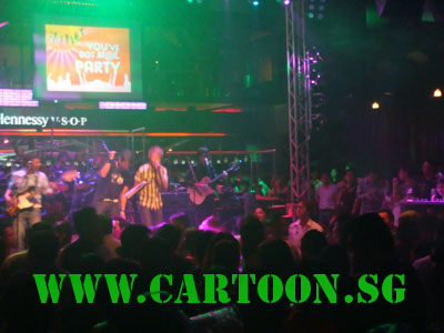 live-caricature-singles-club-dancefloor-singapore-10.jpg