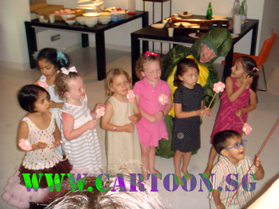 live-birthday-caricature-event-children-party-1.jpg