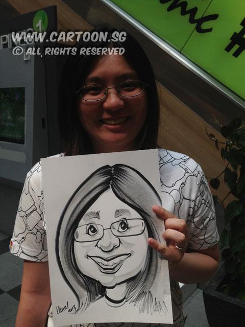 2013-06-29-UOB-roadshow-caricature-event-spectacle-girl.jpg