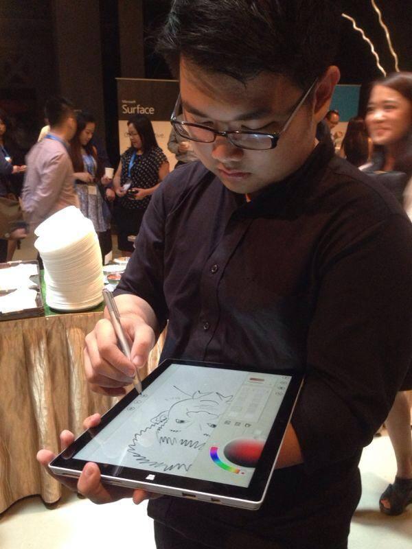 2014-06-26-Digital-Caricaturist-Singapore-tablet-drawing-artists.jpg