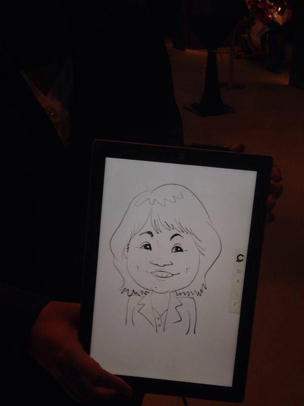 2014-06-26-Digital-Caricaturist-Singapore-tablet-microsoft-surface-pro-3.jpg